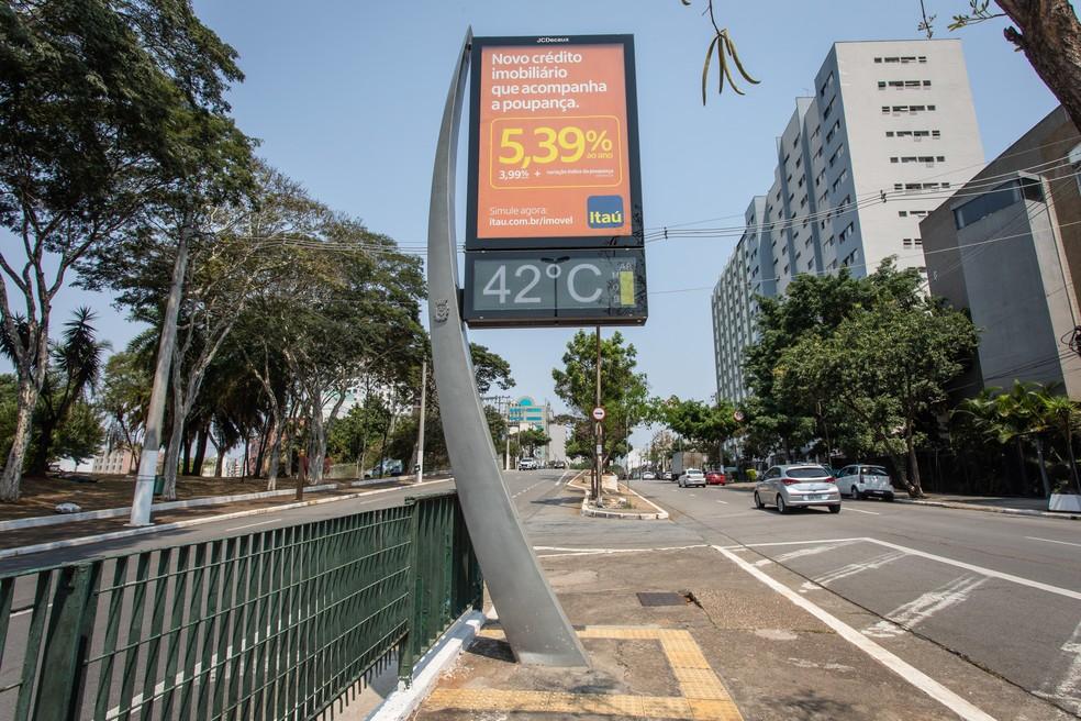 Termômetro marcou 42ºC em outubro de 2020 na Bela Vista, região central de São Paulo — Foto: Celso Tavares/G1