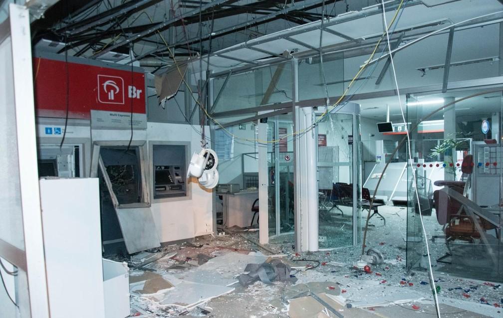 Agência do Bradesco ficou destruída após explosão em Areado (MG) (Foto: Diego Batista/Areado Notícias)