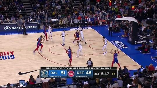 Com show particular de Doncic, Mavericks detonam Pistons na Cidade do México