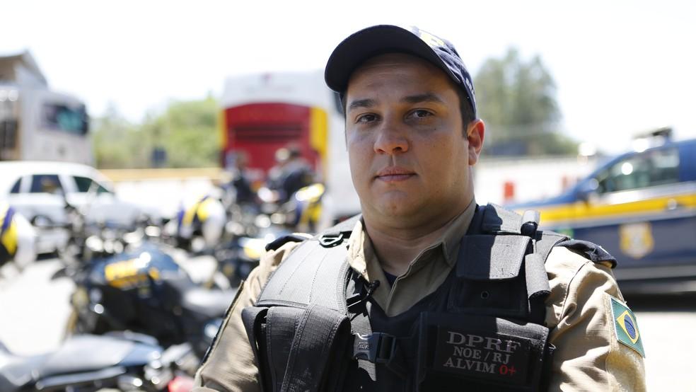 Rafael Alvim: as estradas não são a única porta de entrada de armas no Rio. (Foto: Affonso Andrade/G1)