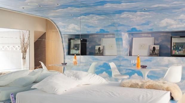 """Suíte """"Lush Spa Splash"""", que tem piscina privativa, hidromassagem, sauna e teto solar (Foto: Divulgação)"""