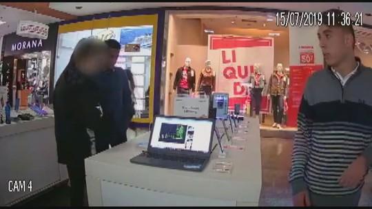 VÍDEO: Dupla armada rouba celulares de quiosque em shopping de Rio Claro