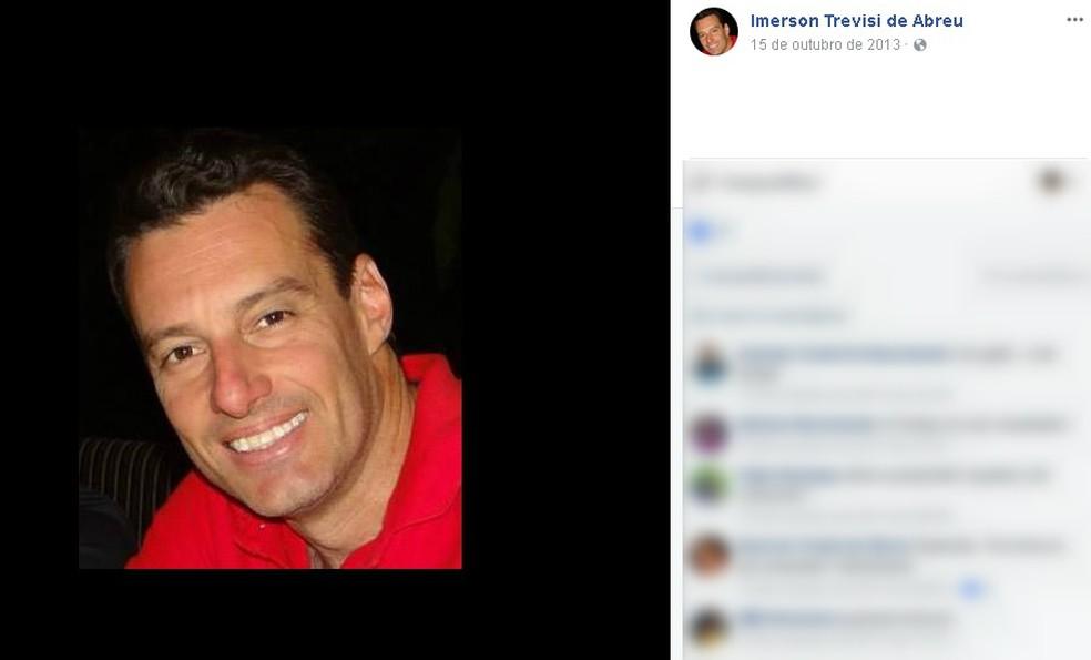 Empresário de 45 anos morreu em queda de paraglider motorizado em Lins (Foto: Reprodução/Facebook)