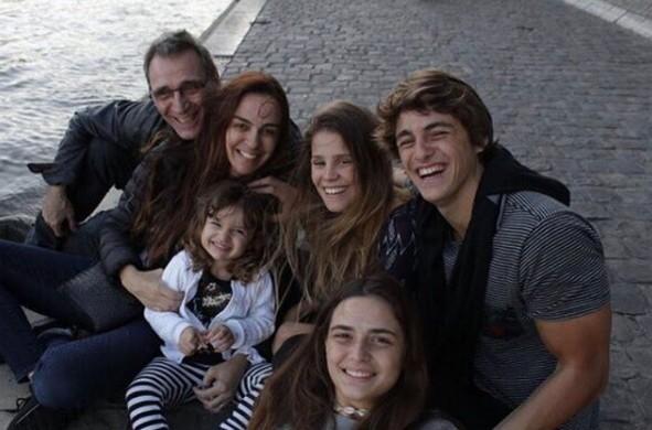 Lucas Capri com a família (Foto: Reprodução )