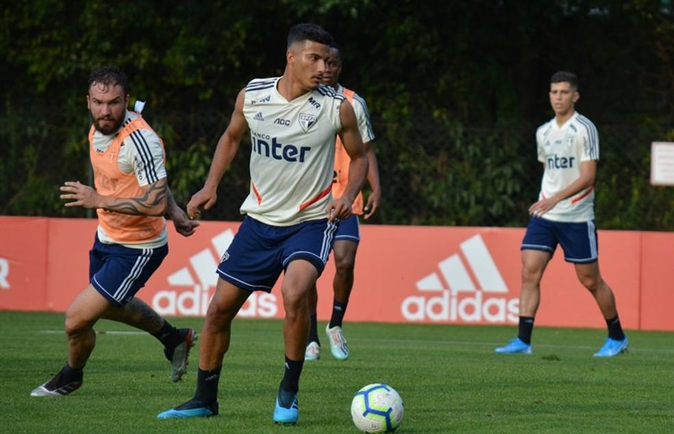Walce tem proposta, mas São Paulo analisa situação do jogador — Foto: Érico Leonan / saopaulofc.net