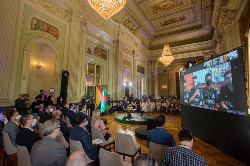 Anúncio do Avançar na Educação foi feito em cerimônia no Palácio Piratini — Foto: Felipe Dalla Valle/Palácio Piratini