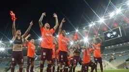 Atlético-PR vence Flu no Maraca e carimba vaga na final da Sula (André Durão)