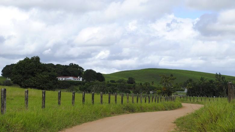 campo-estrada-terra (Foto: Cícero R. C. Omena/Flickr)
