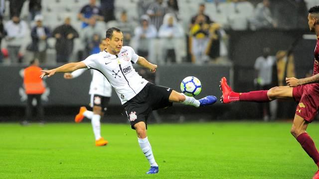 Gol de Rodriguinho que definiu a vitória do Corinthians contra o Fluminense