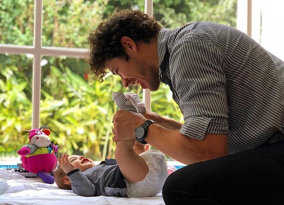 José Loreto com a filha Bella (Foto: Débora Nascimento)