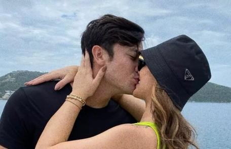 Rafa Kalimann e Daniel Caon, que tiveram um breve romance há alguns anos, resolveram apostar numa nova relação em agosto. Em novembro, ela foi pedida em namoro Reprodução