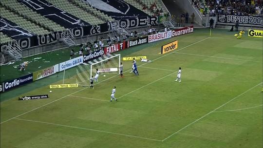 """Roberto elogia marcação do Londrina e agradece gol: """"Abençoou"""""""