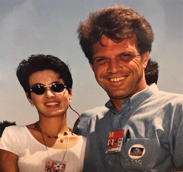 Fátima Bernardes e Pedro Bial na Copa de 1994 (Foto: Reprodução/Instagram)