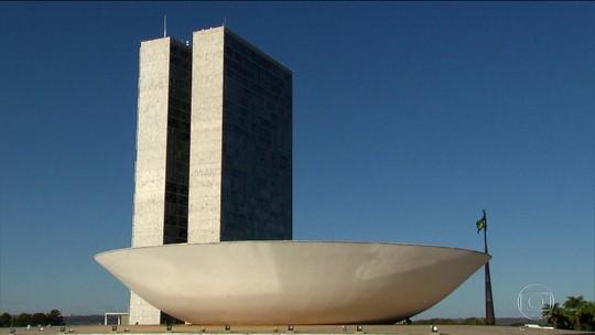 Câmara faz eleição para presidente da Casa e STF libera Maia para disputa