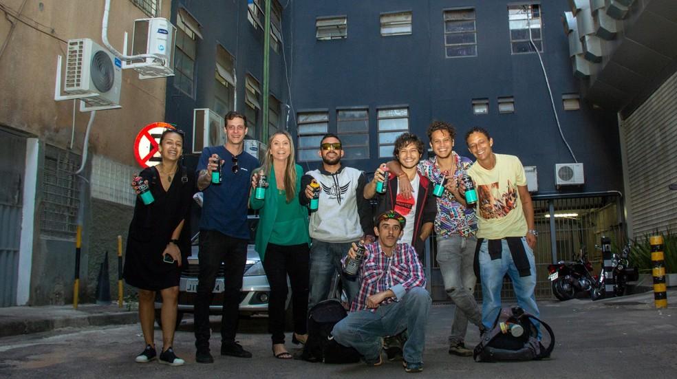 Equipe do coletivo No Setor, do Comitê Permanente de Grafite do DF e da Secretaria de Cultura visita SCS para elaborar plano de revitalização do local — Foto: GDF/Divulgação
