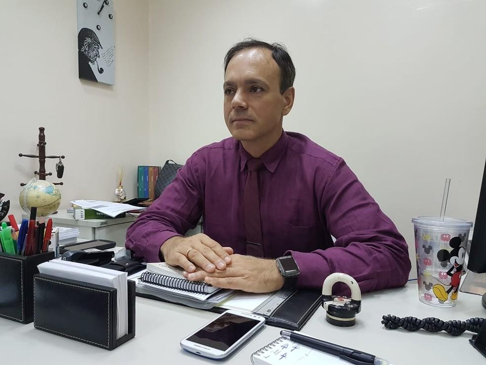 -  O promotor Luiz Márcio Cypriano acompanha a explosão do fenômeno das milícias na região metropolitana de Belém  Foto: Jorge Sauma