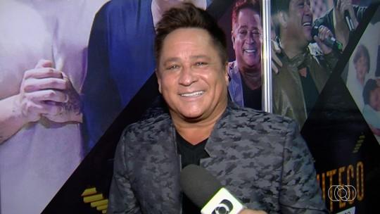 Cantor Leonardo chama reportagem sobre show com Gusttavo Lima