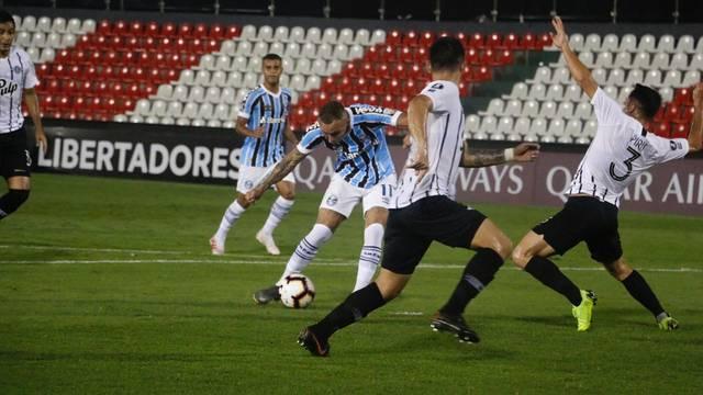 Libertad x Grêmio Libertadores Defensores del Chaco gol Everton