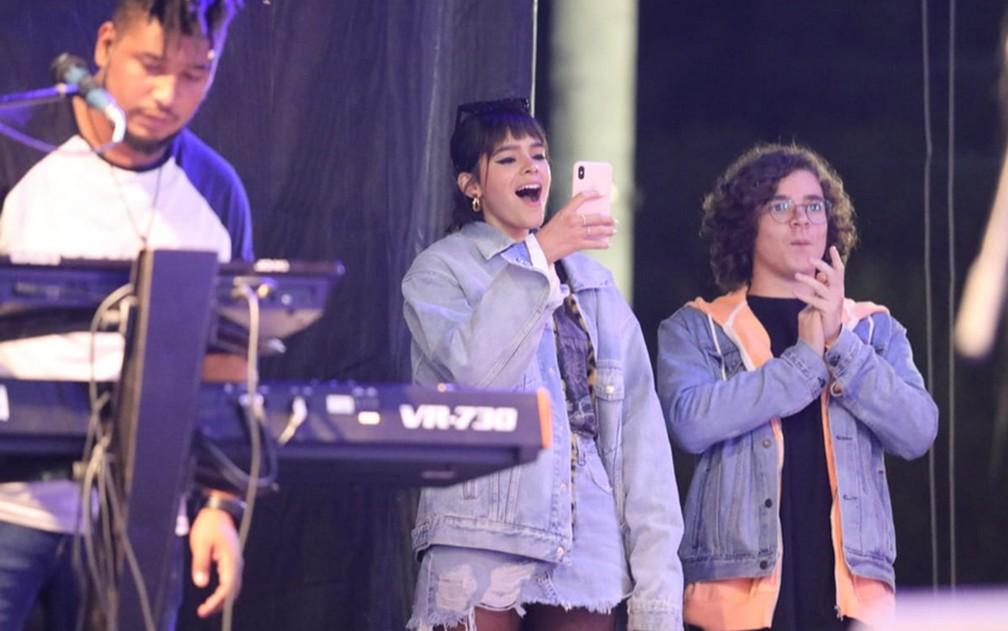 Bruna Marquezine assiste ao show de Priscilla Alcântara na Virada Cultural — Foto: Fábio Tito/G1