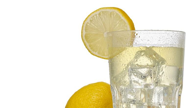 Caipirinha com limão siciliano (Foto: Divulgação)