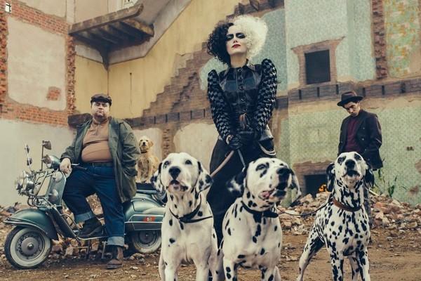 Emma Stone como 'Cruella' (Foto: Divulgação)