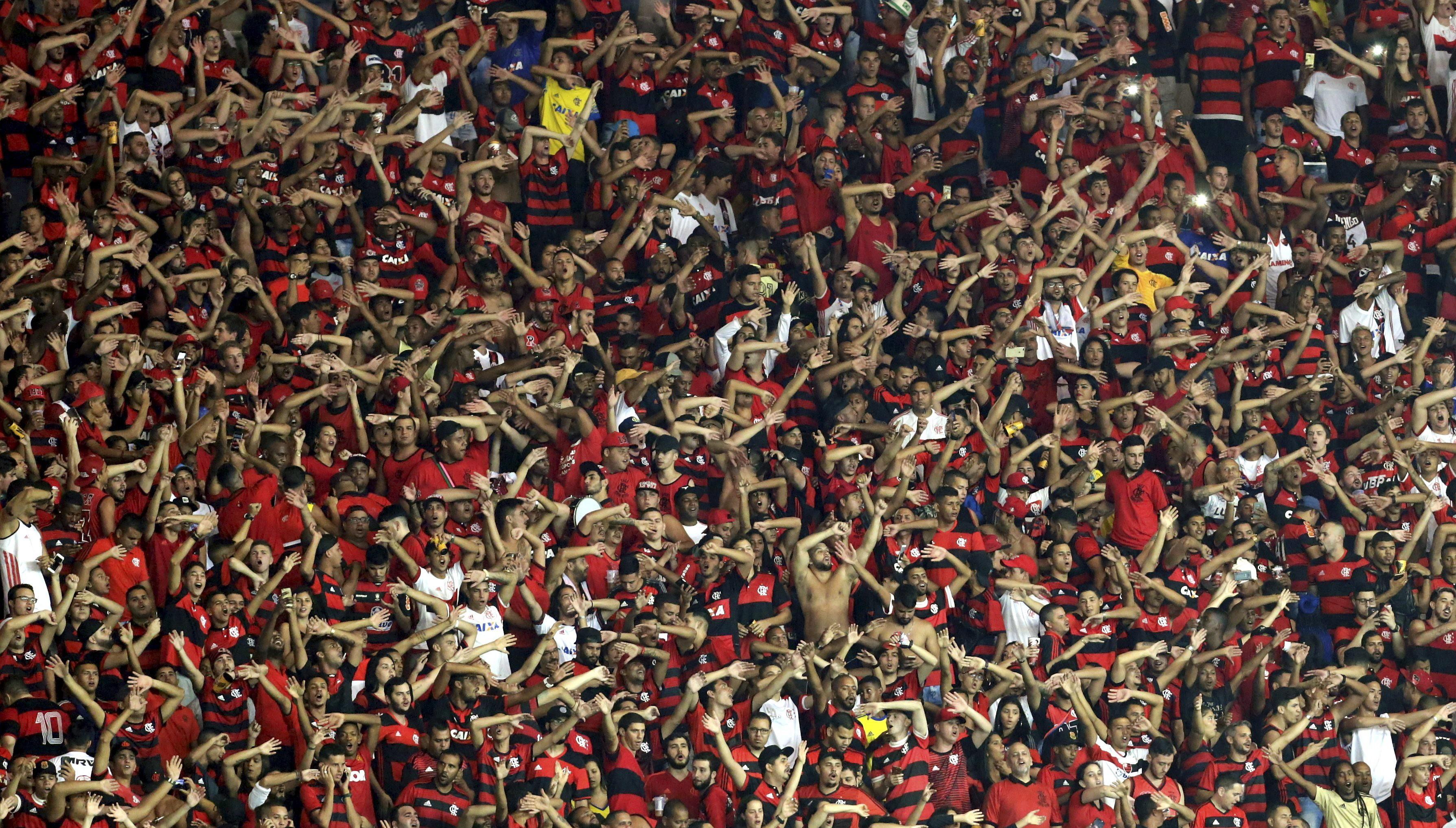 Torcida do Flamengo, no Maracanã, na partida contra o Emelec pela Libertadores de América