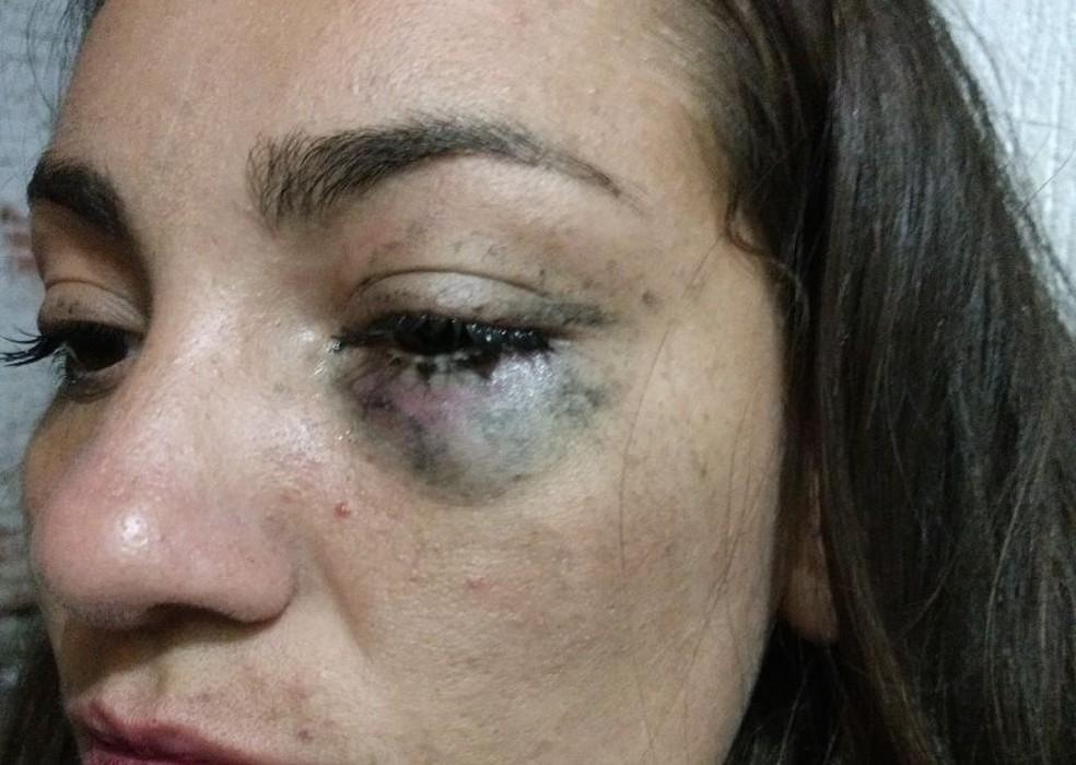 Vítima registrou agressão na Delegacia de Defesa da Mulher de Itapetininga (Foto: Arquivo Pessoal/Taís Cristina dos Santos)