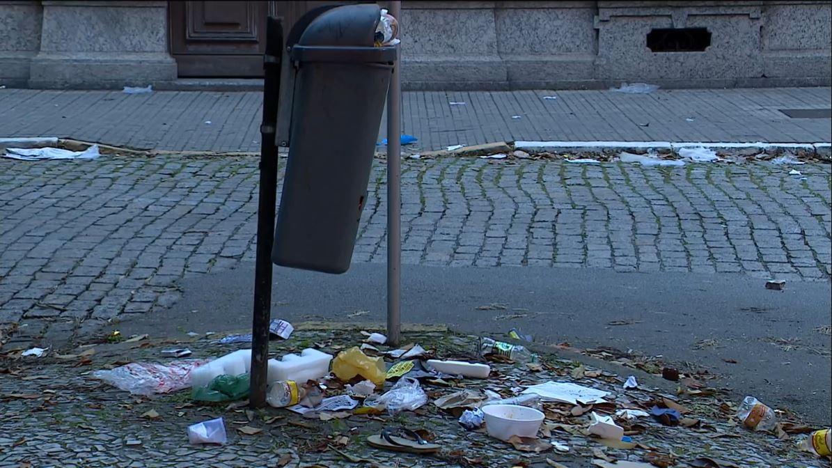 Com greve, Prefeitura de Florianópolis contrata 2 empresas para atuar na coleta de lixo