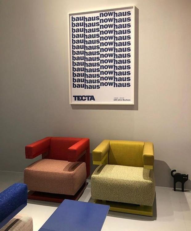 A Cadeira do Diretor, criada por Walter Gropius, foi apresentada pela Tecta, em comemoração ao centenário da Bauhaus  (Foto: Casa e Jardim)