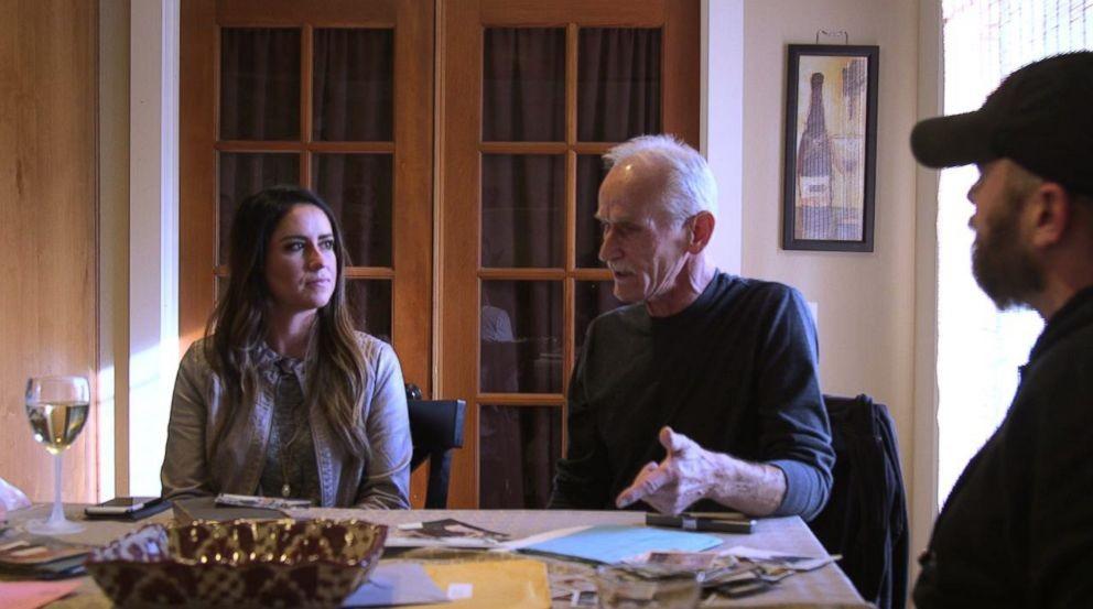 Ela foi encontrar o pai e os irmãos (Foto: Reprodução/ ABC News)