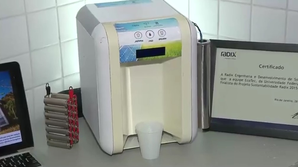 Filtro e refrigerador da UFPB tem 99,9% de eficiência na limpeza da água (Foto: Reprodução/TV Cabo Branco)