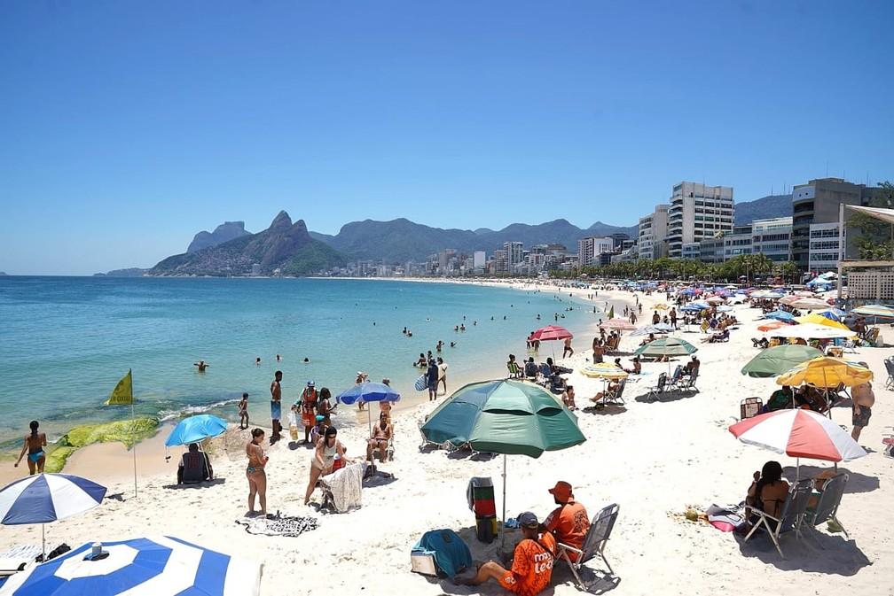 Praias da Zona Sul do Rio recebem banhistas — Foto: Marcos Serra Lima/G1