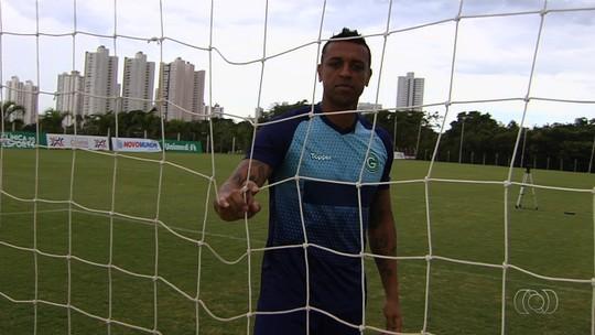 Bico como segurança, depressão e quase suicídio: Sidão agradece ao futebol por não ter tirado a vida