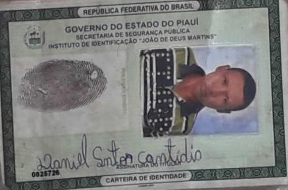 Vítima foi morta a pedrada e o irmão é o suspeito do crime — Foto: Divulgação/PM