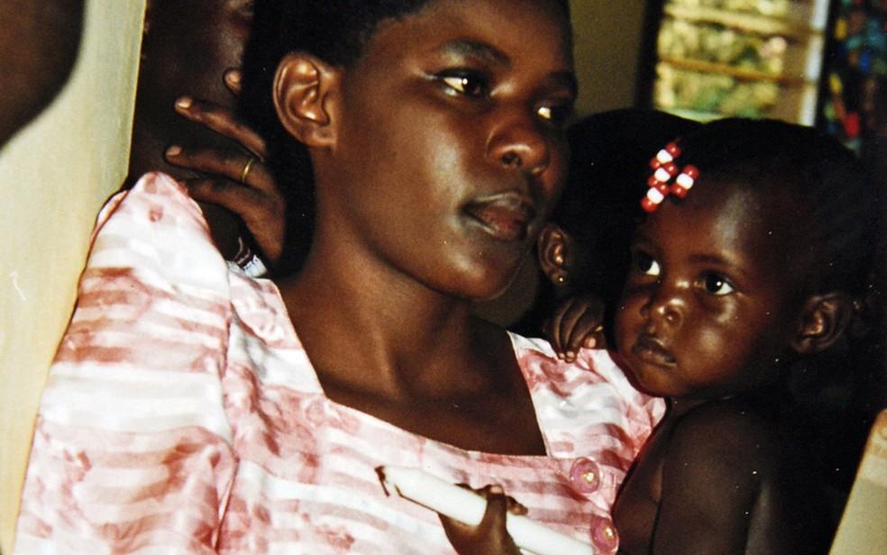 Susan Kigula tinha 21 anos quando foi presa (Foto: Arquivo pessoal)