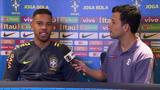 """Renan Lodi fala sobre convivência com ídolos na Seleção Brasileira: """"Emoção muito grande"""""""