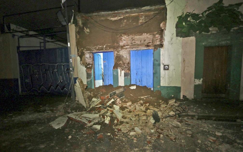 As ruínas de uma casa em Oaxaca, após forte tremor (Foto: Luis Alberto Cruz / AP Photo)