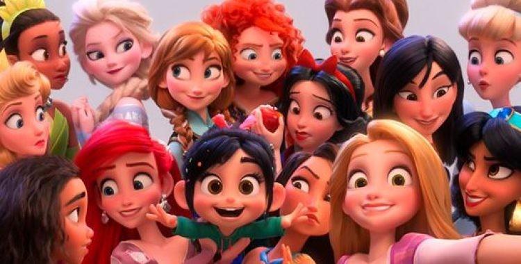 Em Wifi Ralph: Quebrando a Internet, Vanellope faz amizade com as princesas da Disney (Foto: Divulgação)