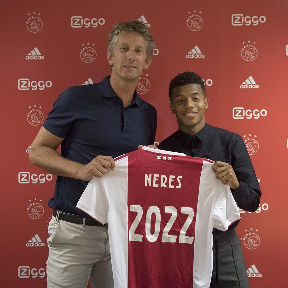 74ed518c9a Ajax anuncia a renovação de contrato com o atacante brasileiro David Neres