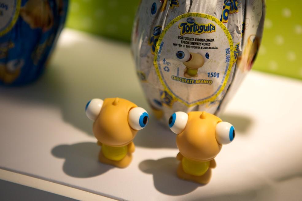Brindes da Tortuguita nos ovos de Páscoa  (Foto: Marcelo Brandt/G1)
