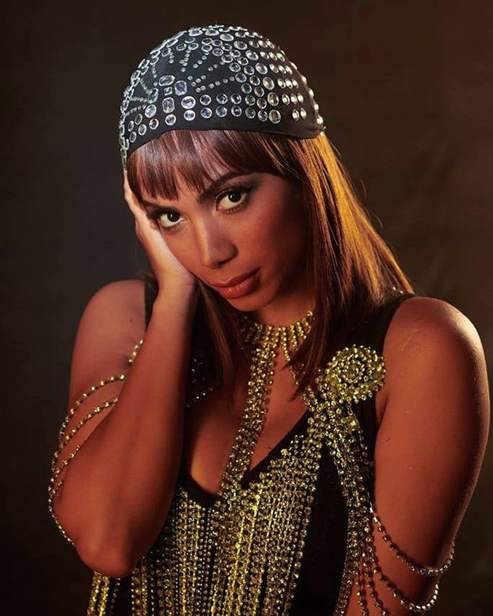 Anitta em uma das imagens adotadas pela cantora para divulgar o álbum 'Kisses' — Foto: Gui Paganini / Reprodução Facebook Anitta