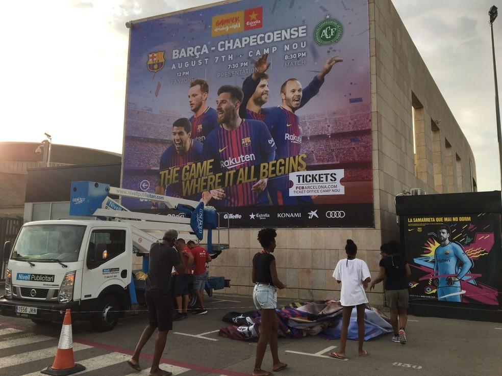 Publicidade da partida contra a Chapecoense não conta mais com Neymar (Foto: Ivan Raupp)