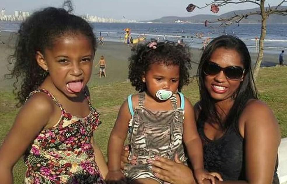 Thamiris e suas duas filhas foram assassinadas em São Vicente, no litoral de SP (Foto: Arquivo Pessoal)