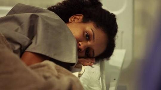 Heslaine Vieira lembra teste para 'Sob Pressão - Plantão Covid' e assume que chorou ao assistir o episódio na TV