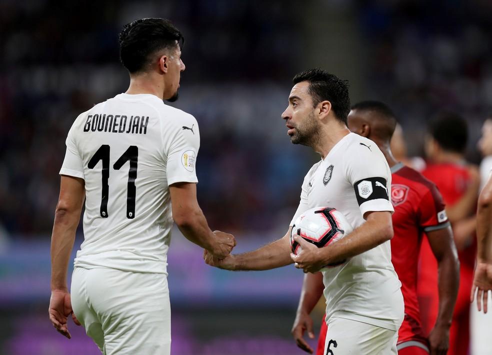 Com Xavi em campo, Al Sadd foi goleado e perdeu o título da Amir Cup — Foto: Reuters