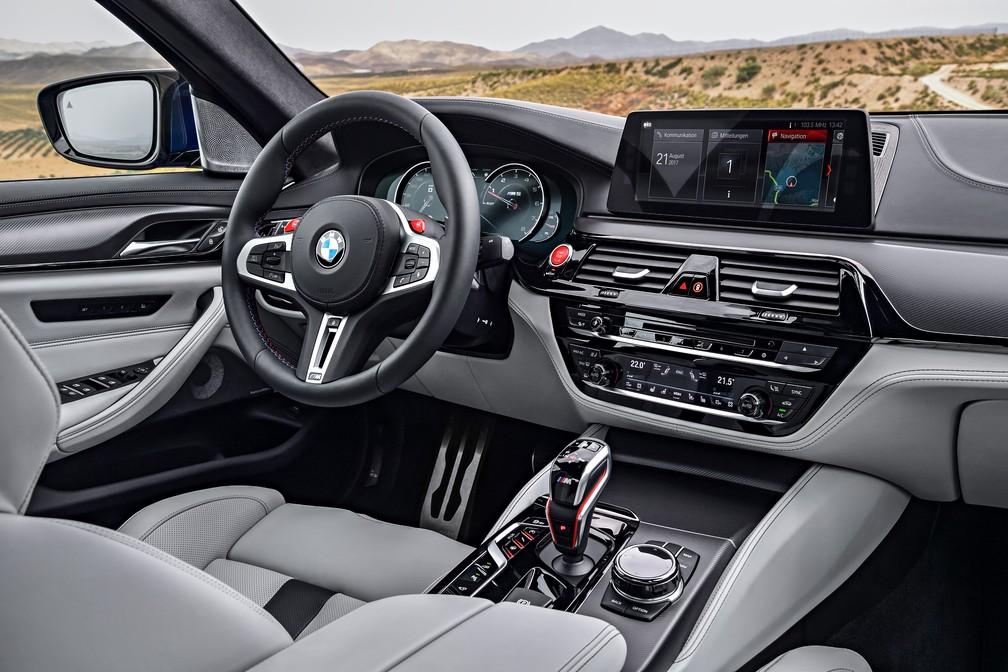 Interior do BMW M5 (Foto: Divulgação)