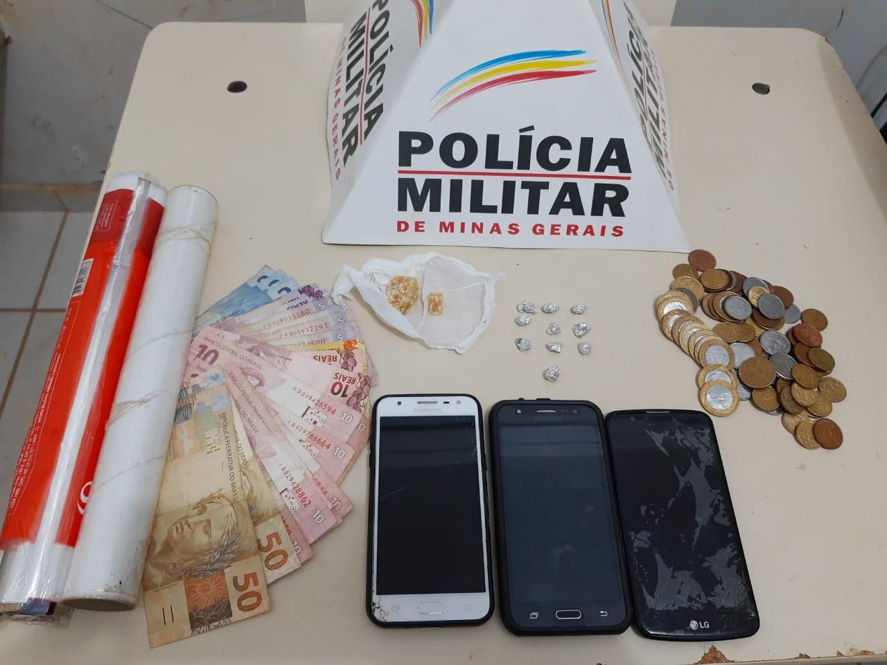 Cinco pessoas são presas em ponto de tráfico de drogas, em Unaí