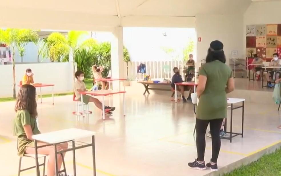 Escola retoma aula presencial no ensino fundamental em Goiânia, Goiás — Foto: Reprodução/TV Anhanguera