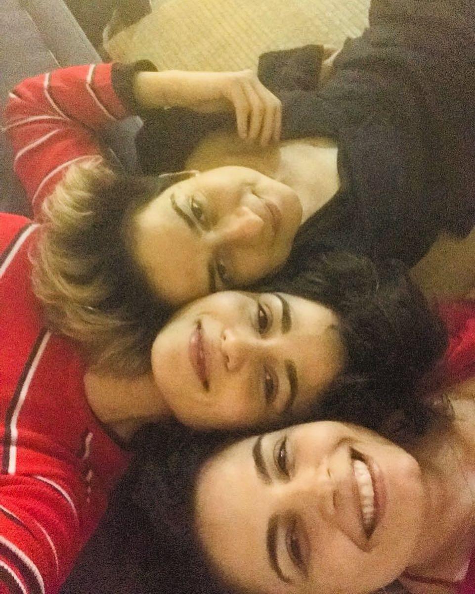 Emanuelle Araujo parabeniza Nanda Costa  (Foto: Reprodução / Instagram)