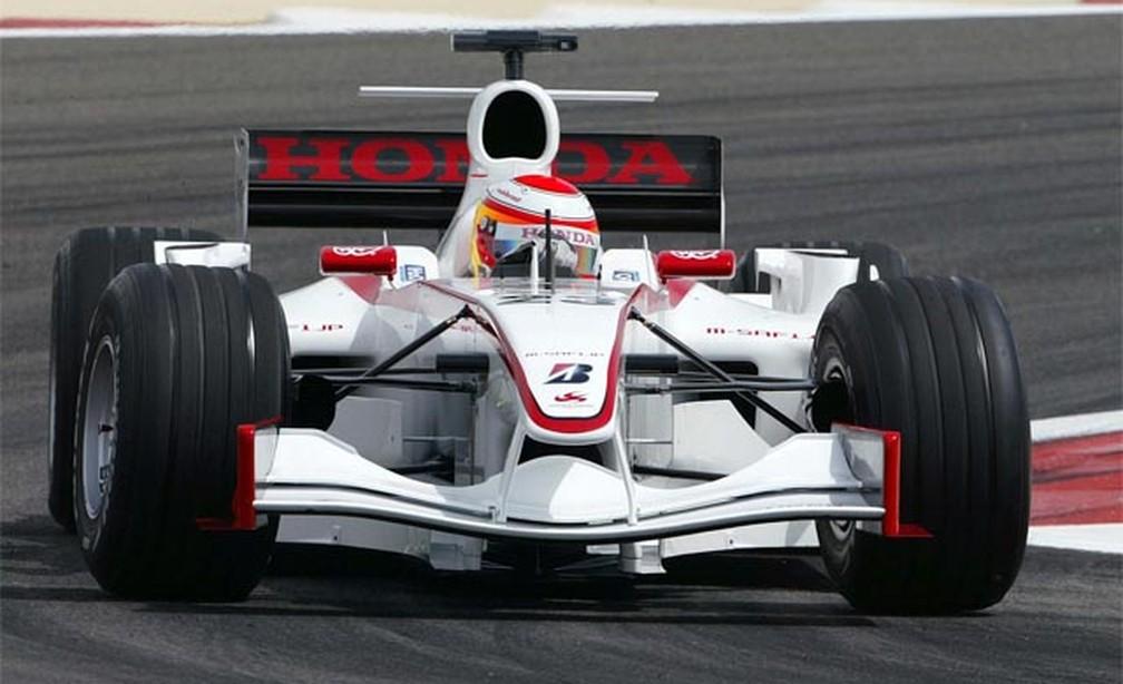 Yuji Ide em sua estreia na Fórmula 1 com a Super Aguri, no GP do Barein de 2006 — Foto: Divulgação/Bridgestone